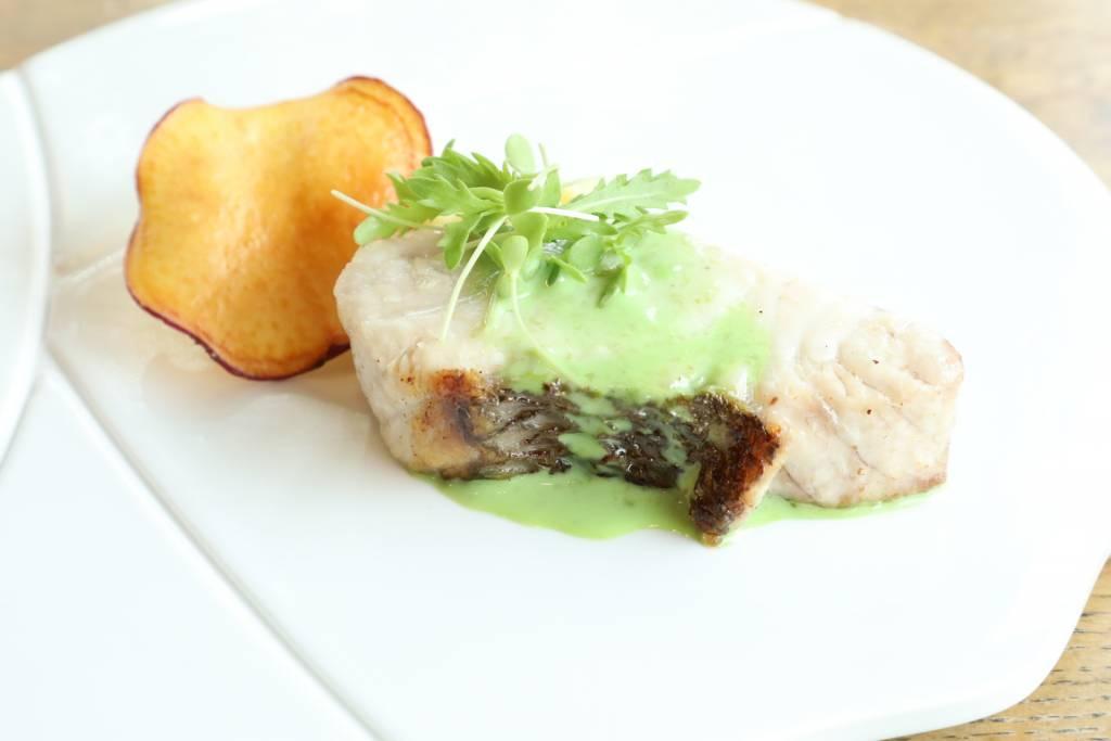 本日の鮮魚のポワレ ~サツマイモ、有明海苔、マイクロハーブ~